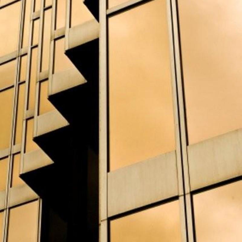 Pellicola solare adesiva effetto specchio 75x900cm oro bronzo per vetri for Pellicola a specchio per vetri